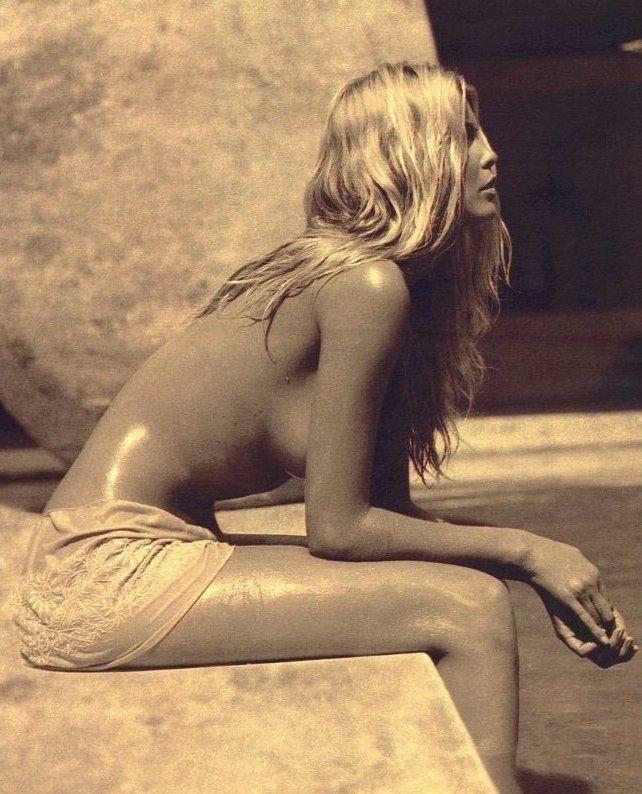 Claudia Schiffer Nackt. Foto - 29