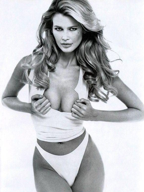 Claudia Schiffer Nackt. Foto - 33