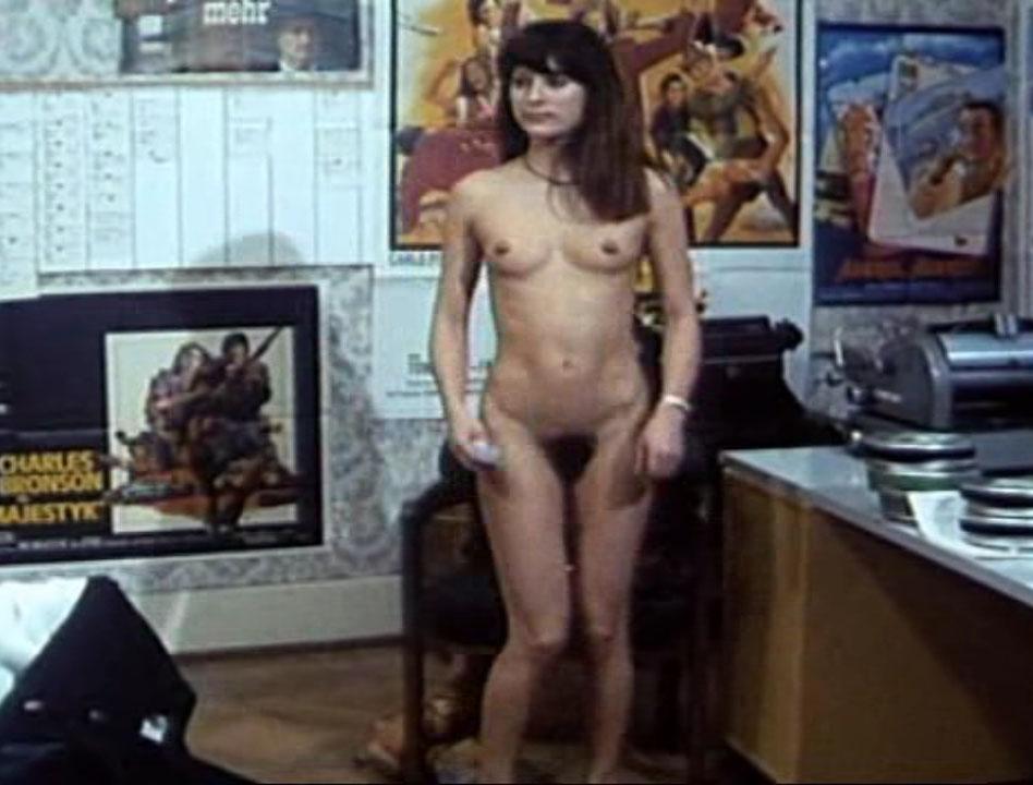 Esther Studer  nackt