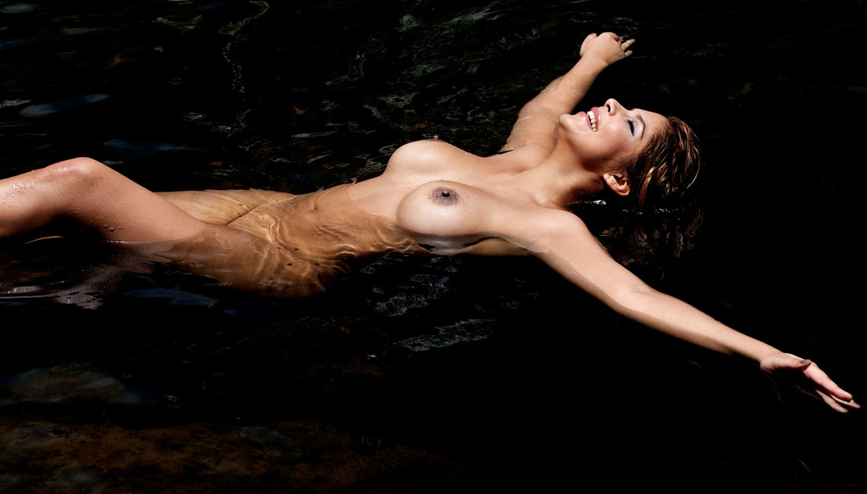 Indira Weis Nackt