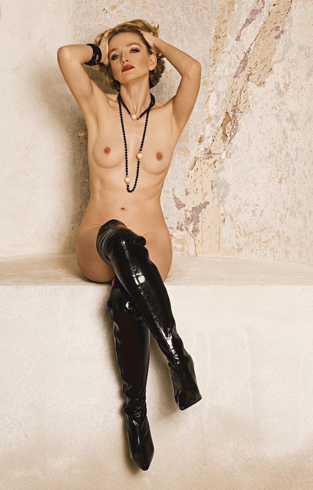 Julia Biedermann Nackt. Foto - 3