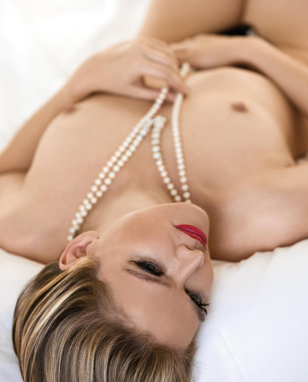 Julia Biedermann Nackt. Foto - 8