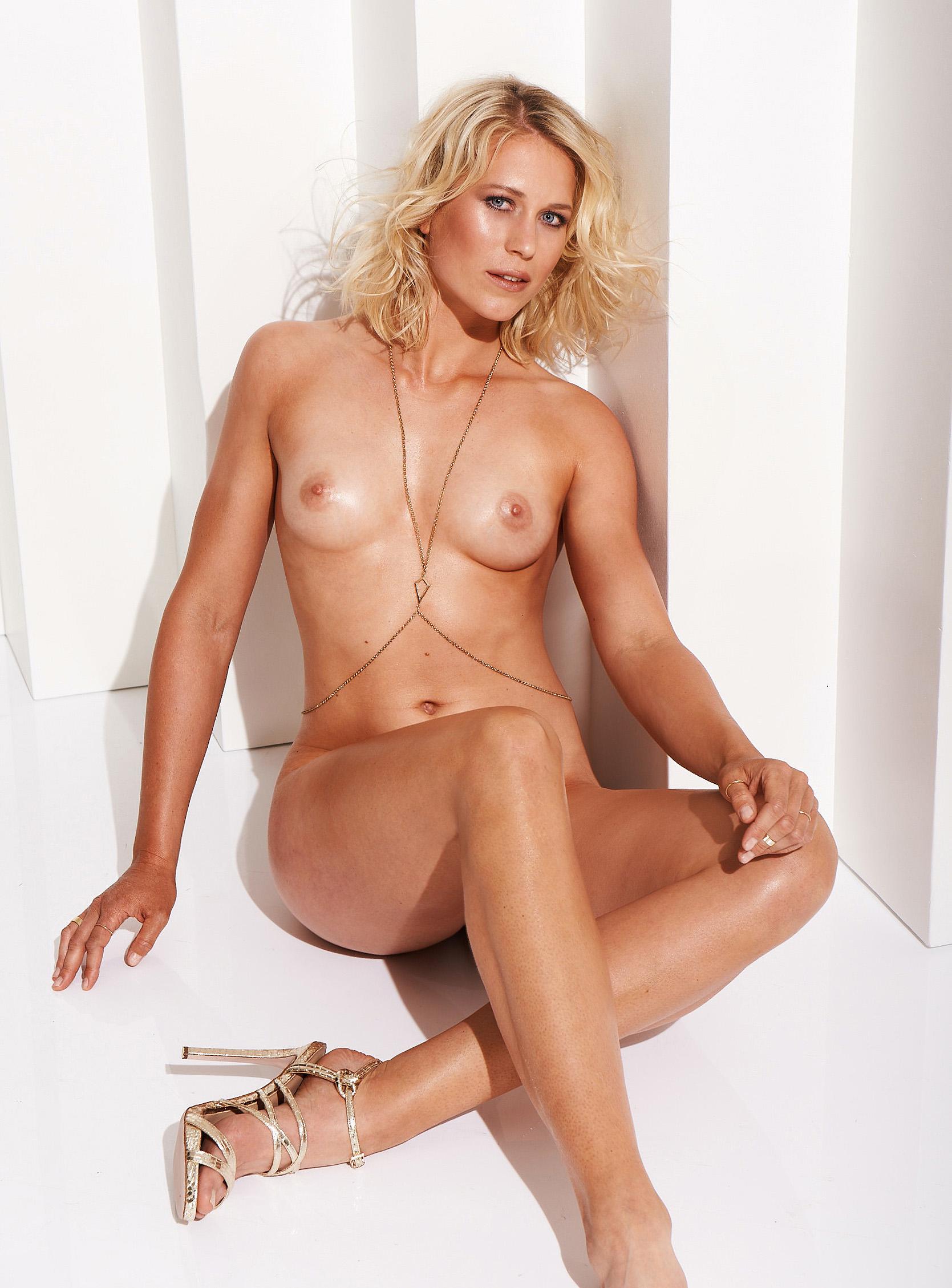 Julia Lier Nackt. Foto - 5
