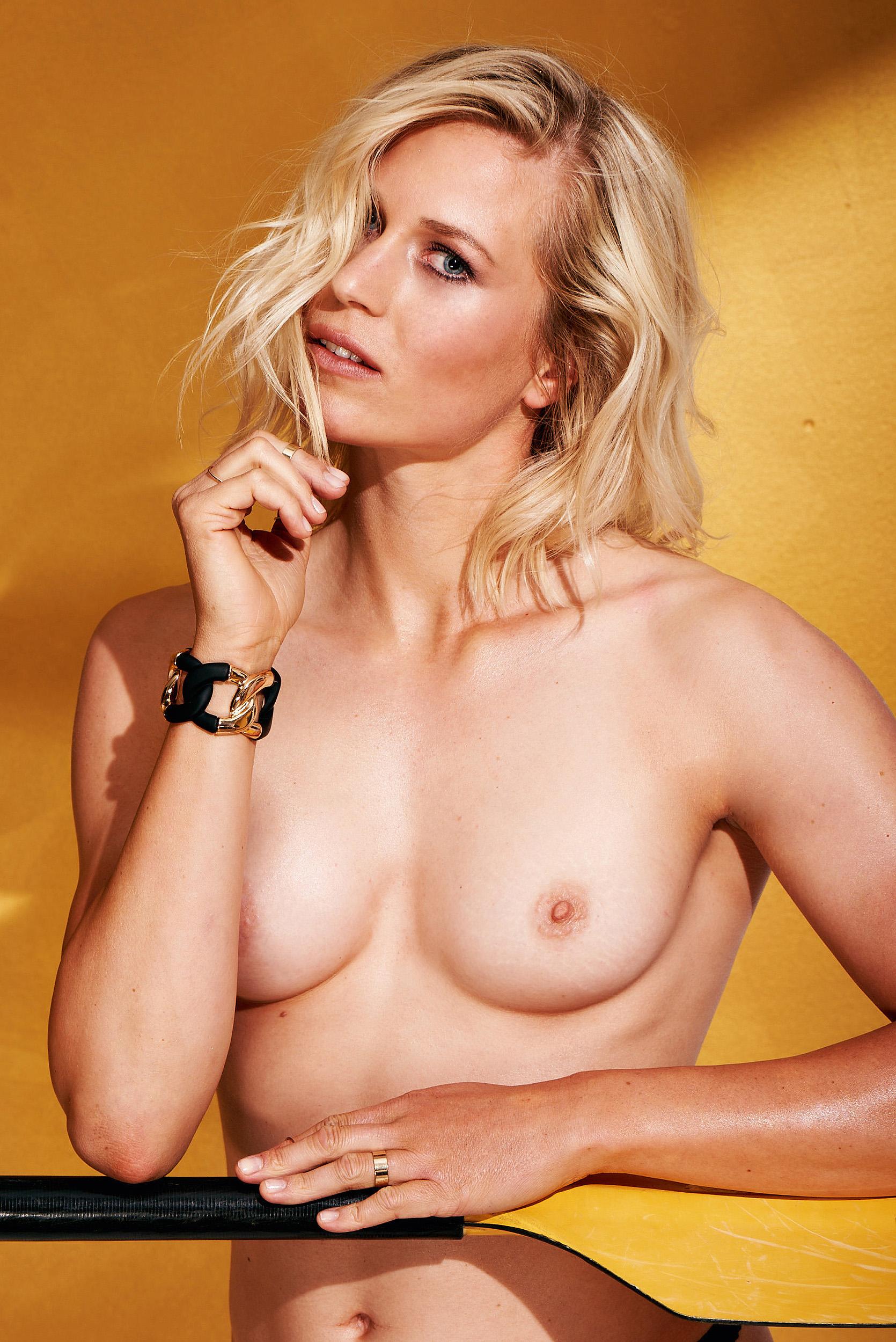 Julia Lier Nackt. Foto - 7