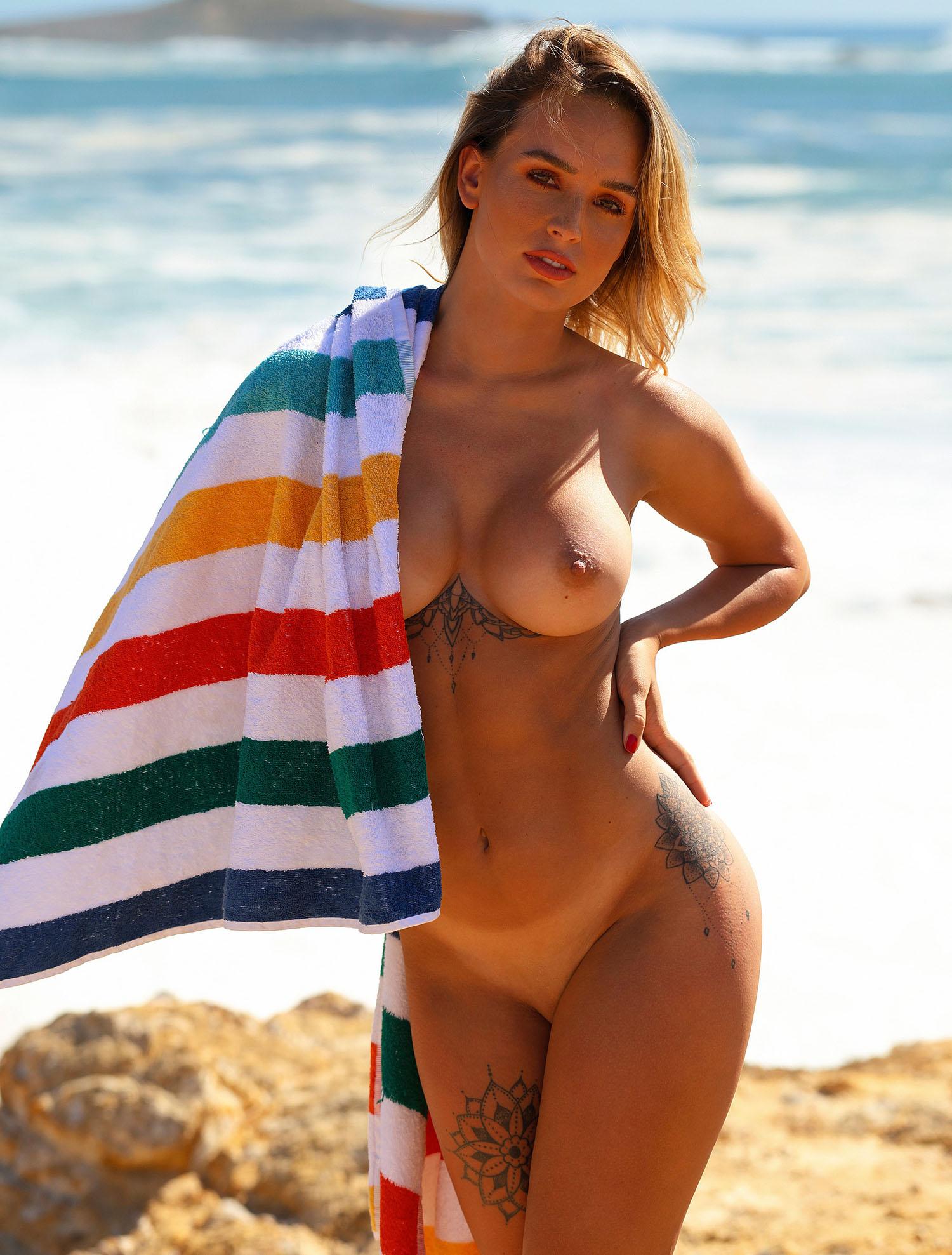 Julia Römmelt Nackt. Foto - 3