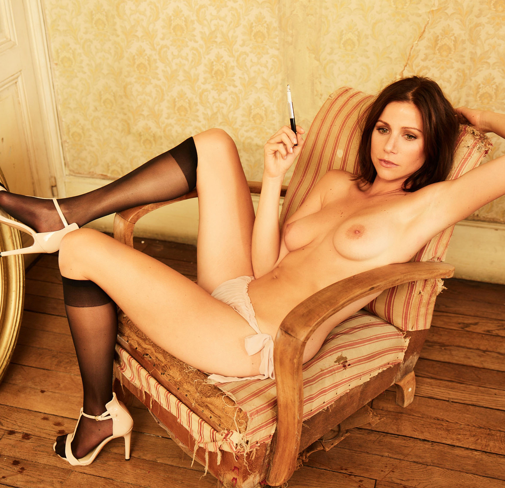 Katrin Hess  nackt