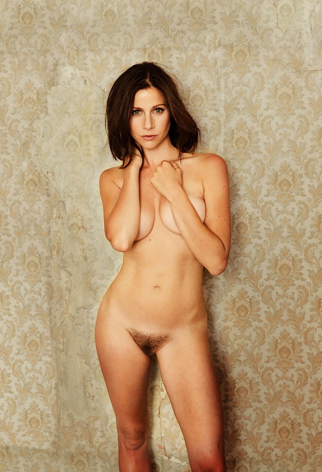 Bilder katrin heß nackt Nackt, damit