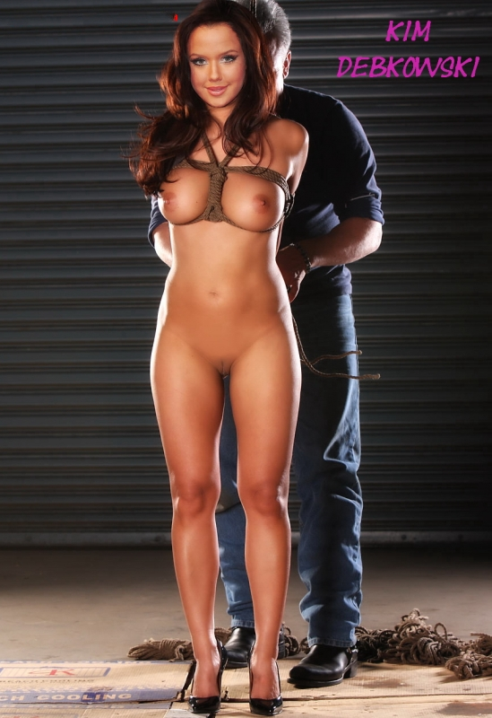 Myanna buring naked