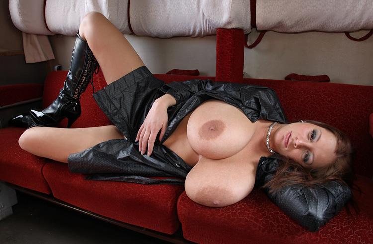 Nadine Jansen Nackt. Foto - 170