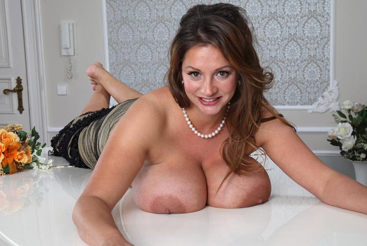 Nadine Jansen Nackt. Foto - 250