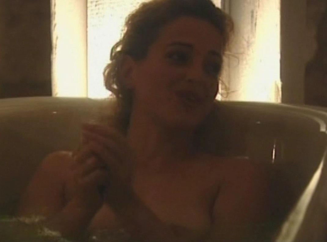 Nicole nackt Ansari-Cox Nicole Ansari,