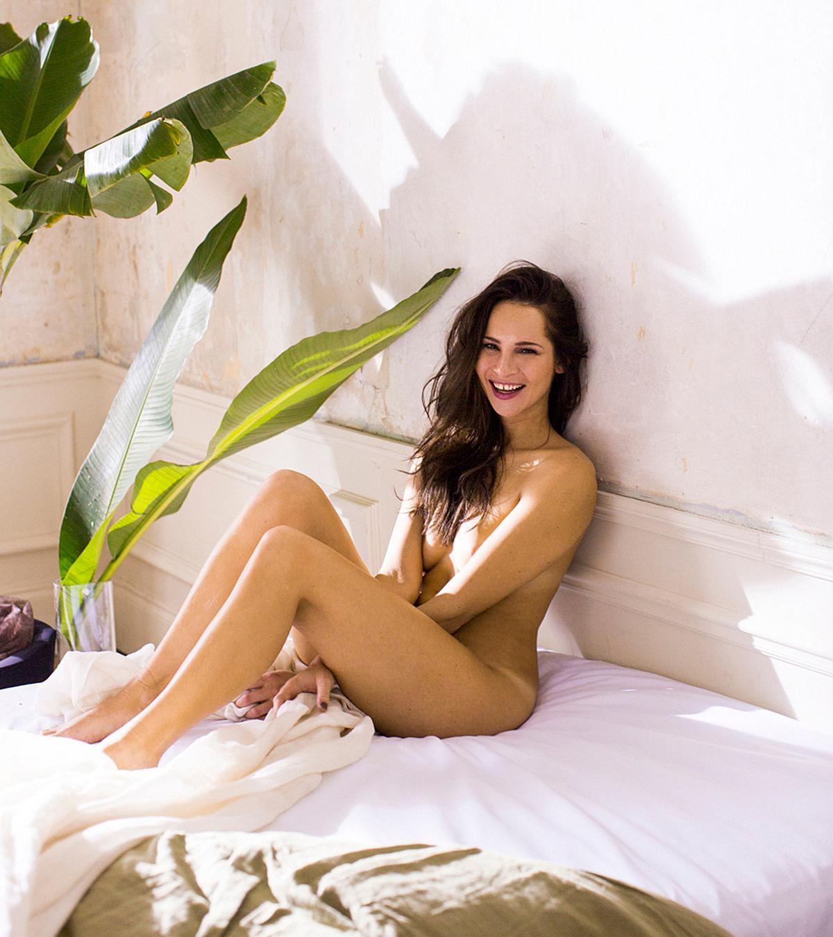 Nicole Mieth  nackt
