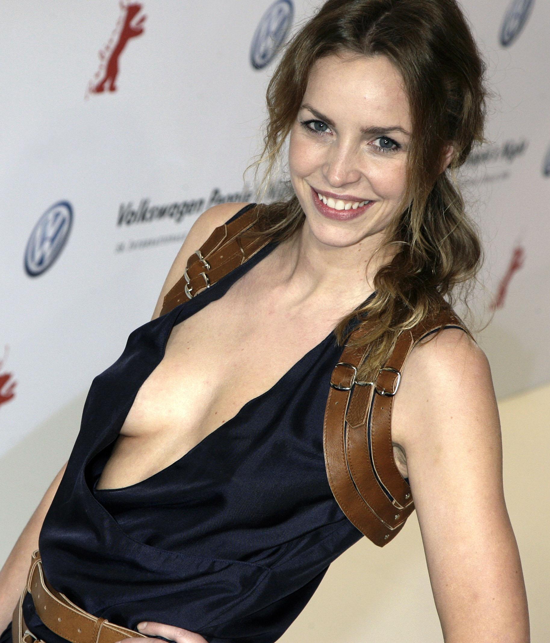 Simone Hanselmann Nackt. Foto - 1