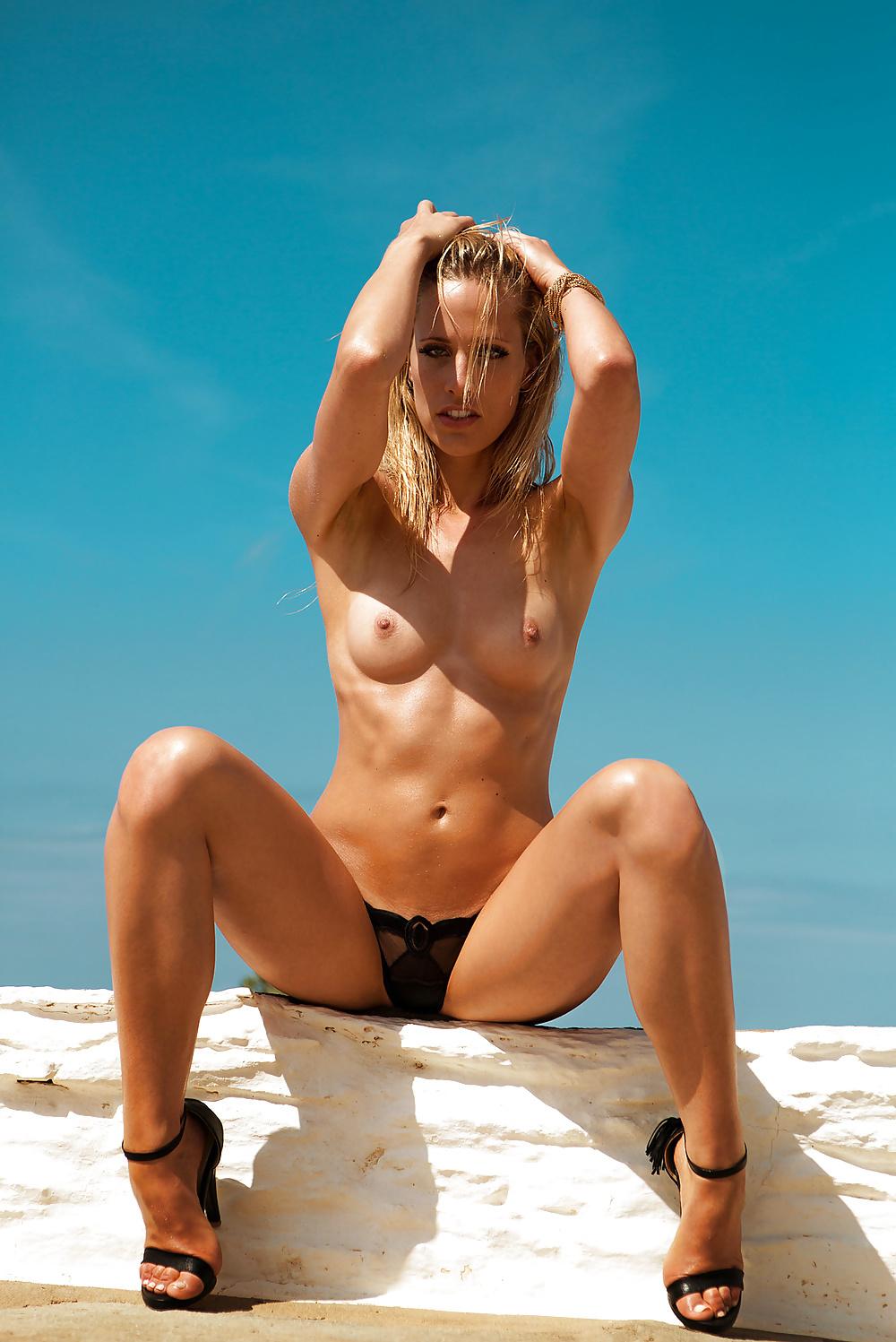 Sissi Fahrenschon Nackt. Foto - 10