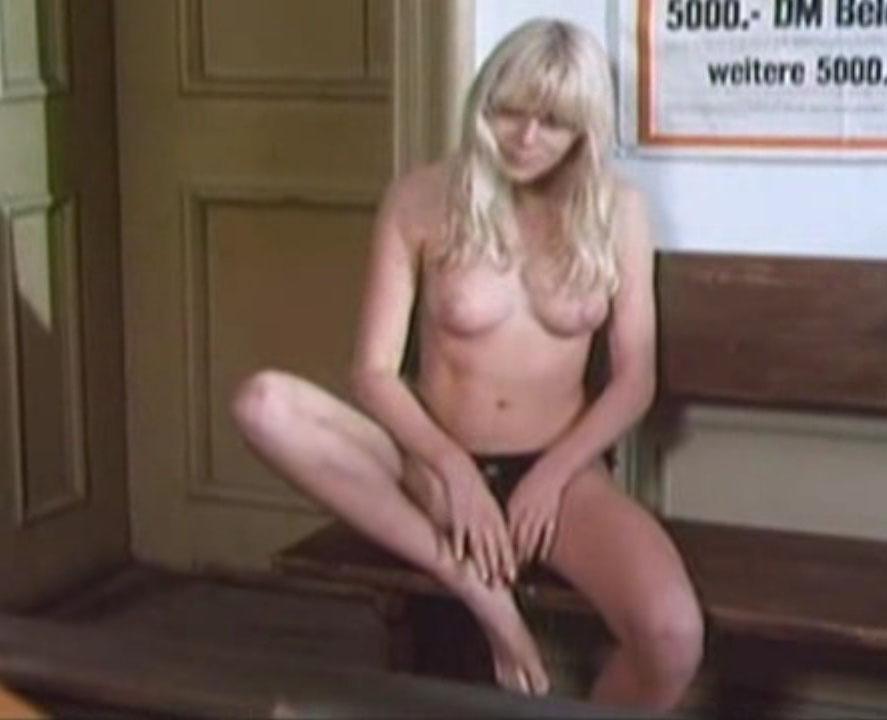 Ursula Buchfellner  nackt