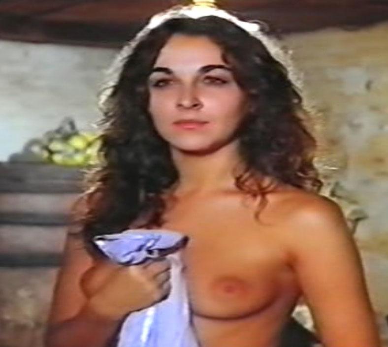 El impresionante culo de Adriana Vega y sus fotos más sexys