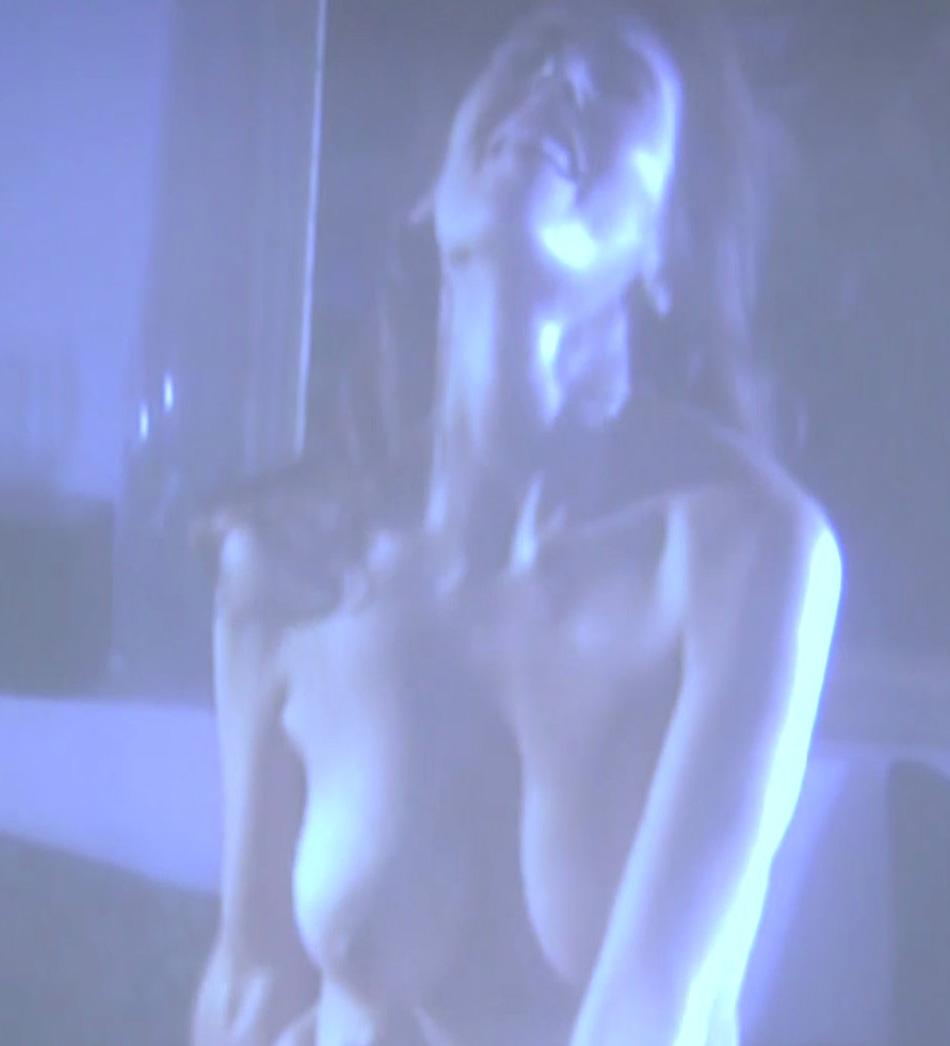 Las mejores fotos de una Isabel Pintor casi desnuda