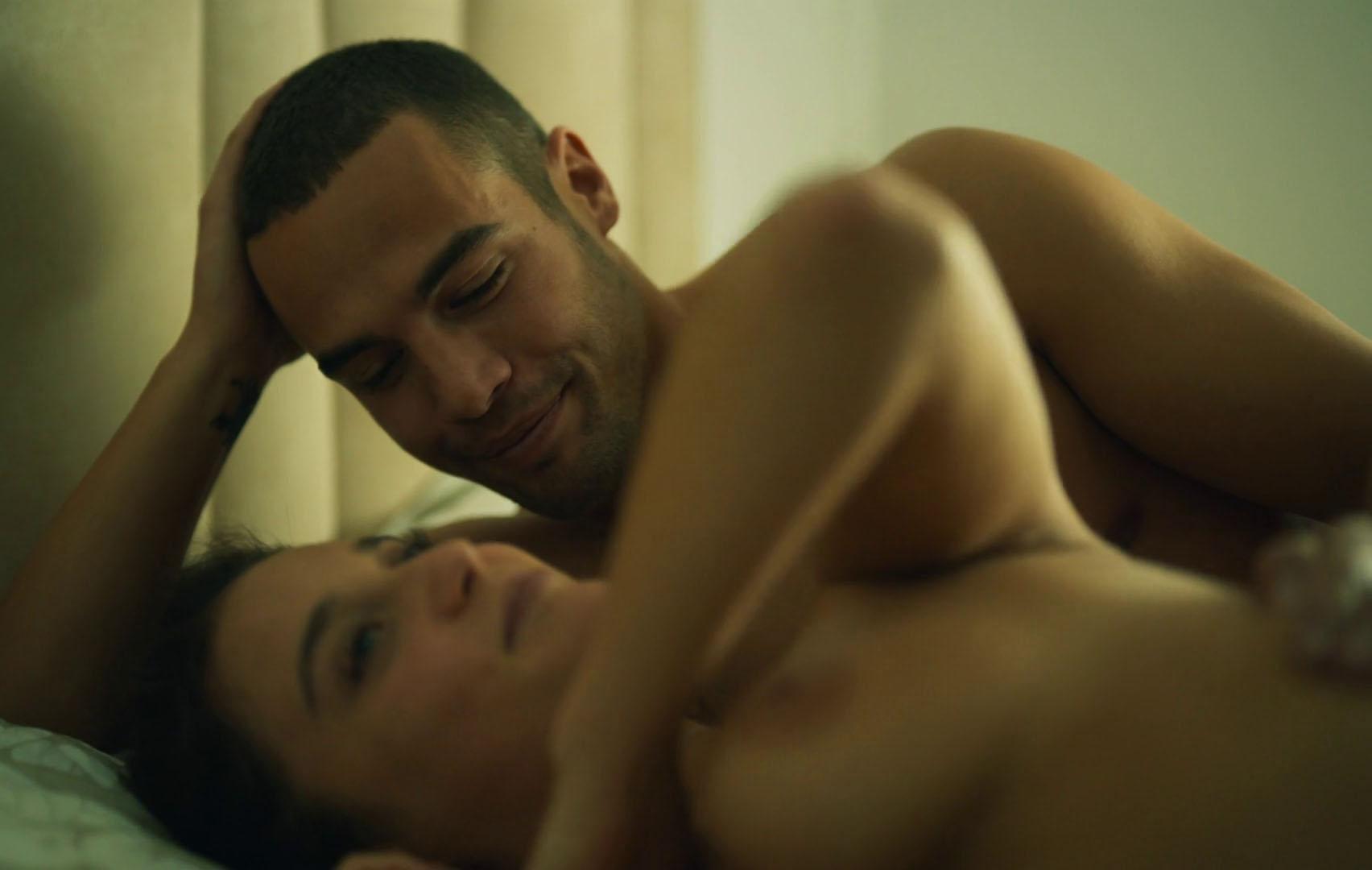 ¡Al desnudo! María Pedraza y sus fotos más sexys