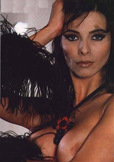 Natalia Estrada se desnuda – ¡Fotos!