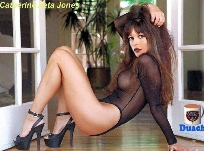 Кэтрин Зета-Джонс голая. Фото - 174