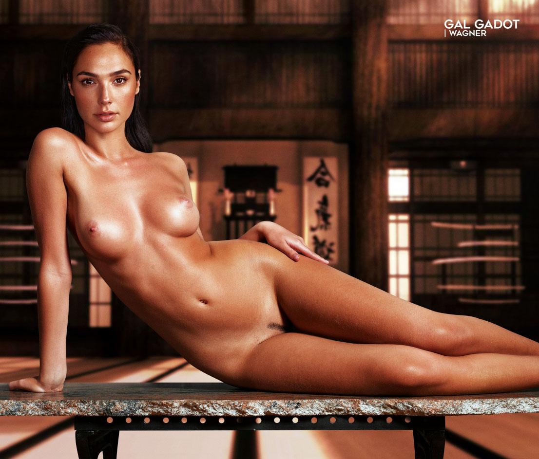 Nackt gal gadot Sexy Gal