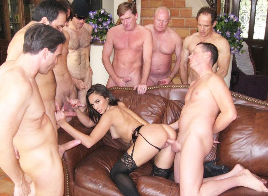 Gal Gadot Nude. Photo - 179