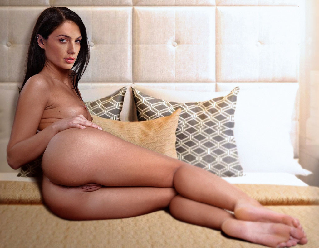 Gal Gadot Nude. Photo - 296