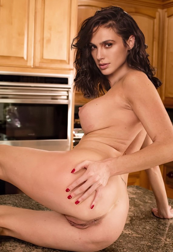 Gal Gadot Nude. Photo - 418