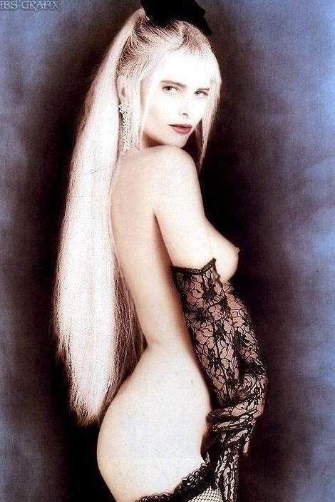 Cicciolina Nude. Photo - 1