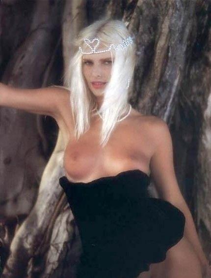 Cicciolina Nude. Photo - 3