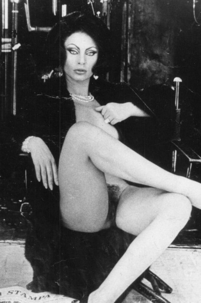 Sophia Loren Nago. Zdjęcie - 43