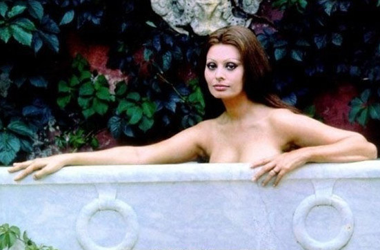 Sophia Loren Nago. Zdjęcie - 6