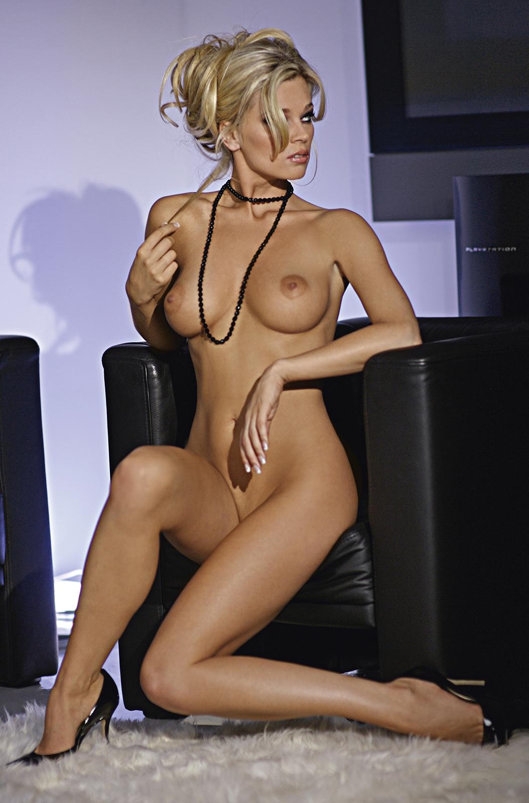 Agnieszka Hendel Nago. Zdjęcie - 10