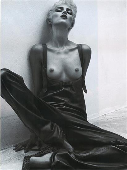 Anja Rubik Nago. Zdjęcie - 20
