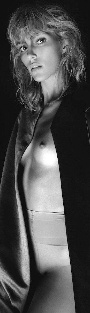Anja Rubik Nago. Zdjęcie - 8