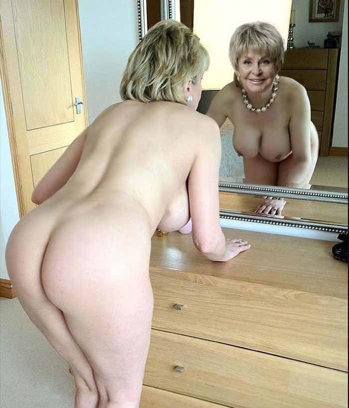 Ангелина Вовк голая. Фото - 2