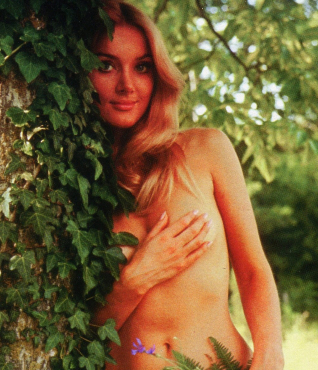 Barbara Bouchet with her tits and ass. Gallery - 2