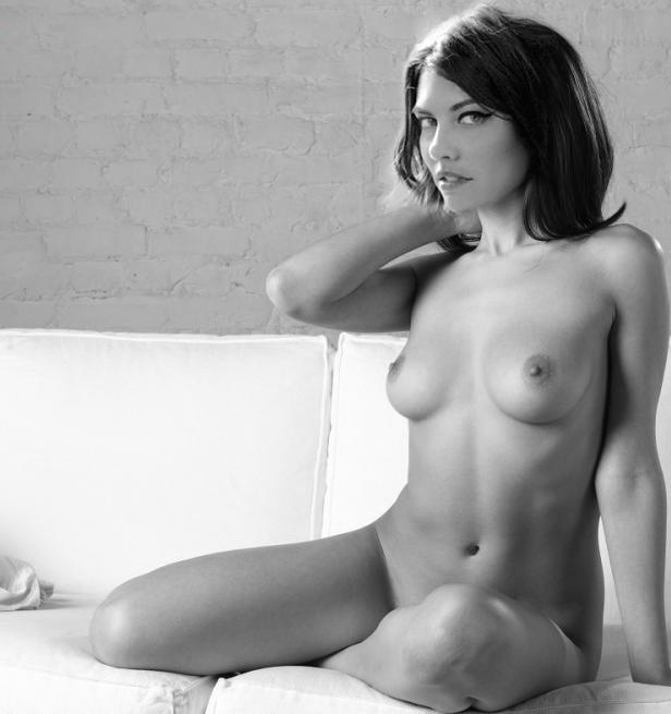 nackt Cohan Lauren Lauren Cohan