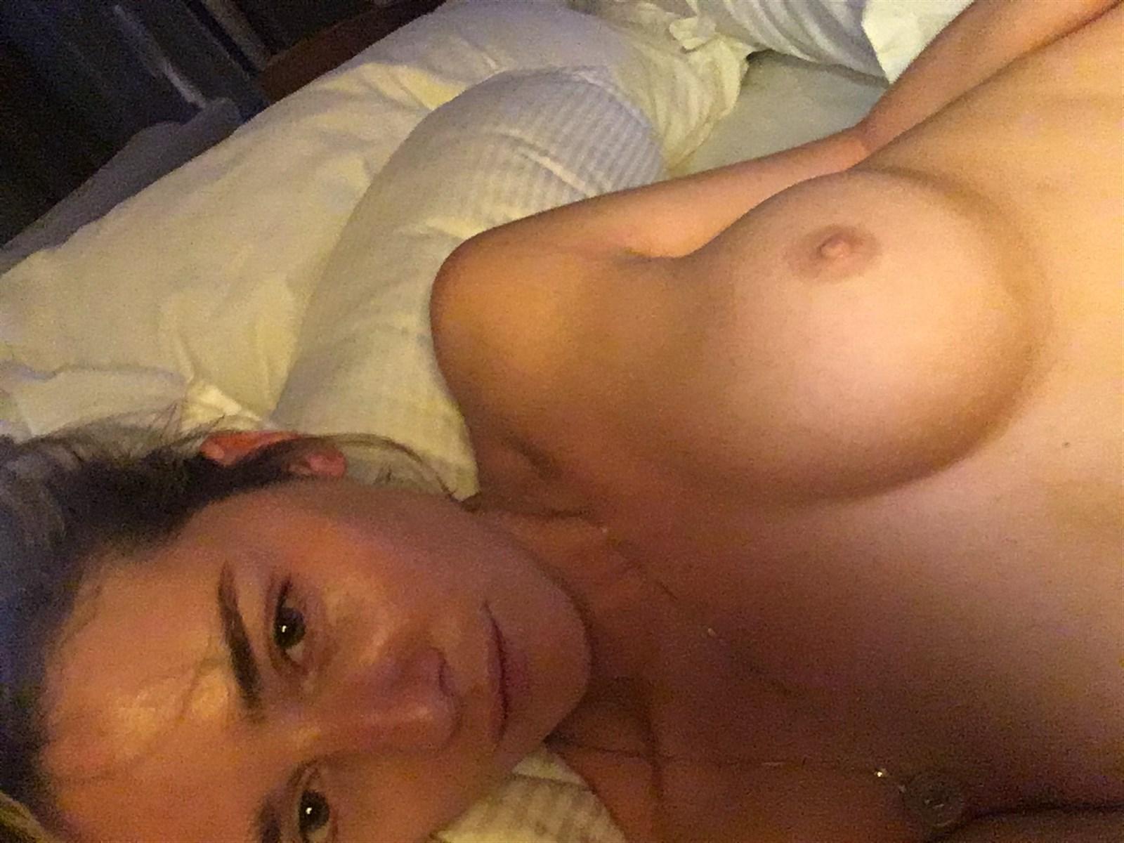 Addison Timlin Nude. Photo - 16