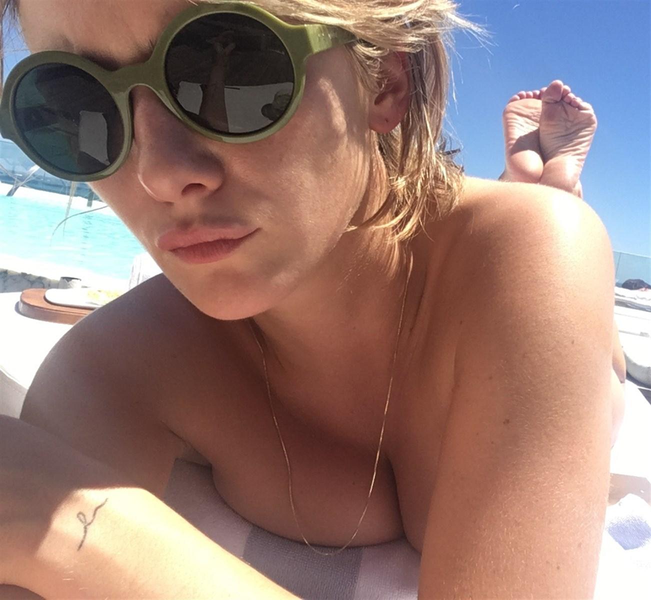 Addison Timlin Nude. Photo - 4