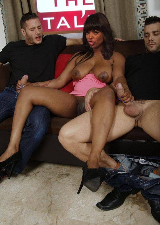 Aisha Tyler Nude. Photo - 2