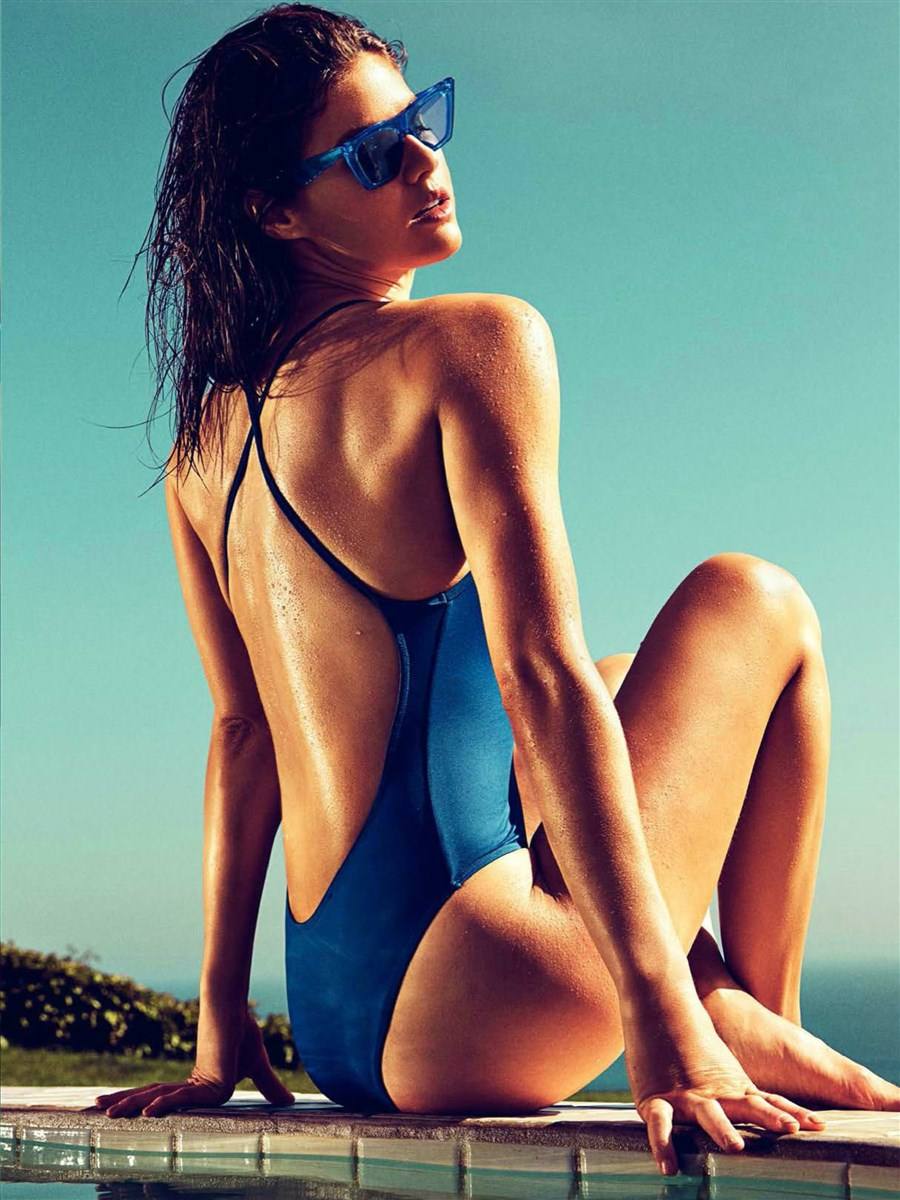 Alexandra Daddario Nago. Zdjęcie - 28