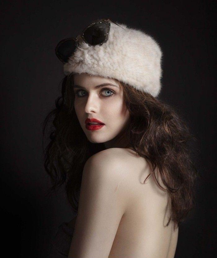 Alexandra Daddario Nago. Zdjęcie - 6