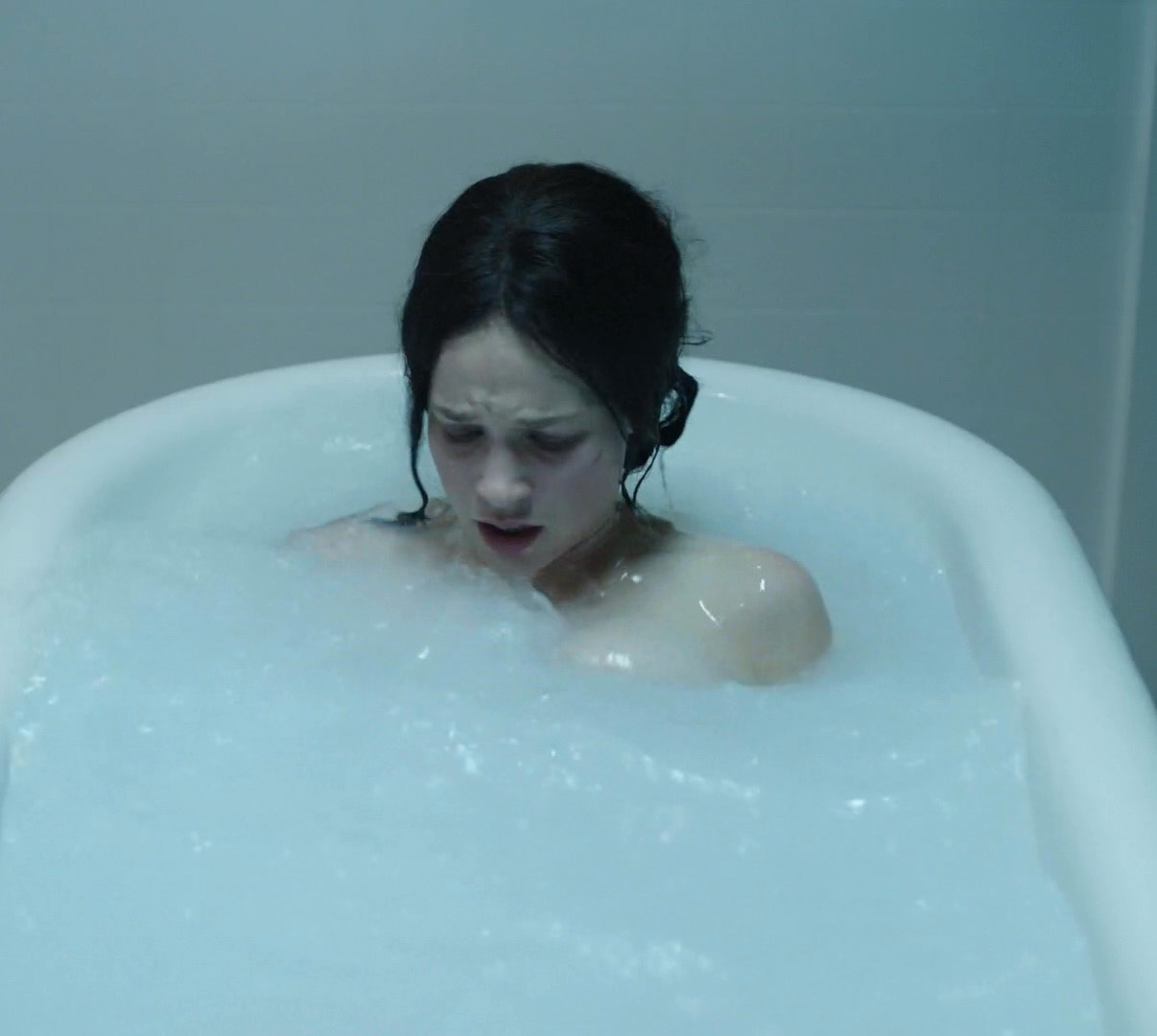 Alexis Knapp topless and sex actions scenes