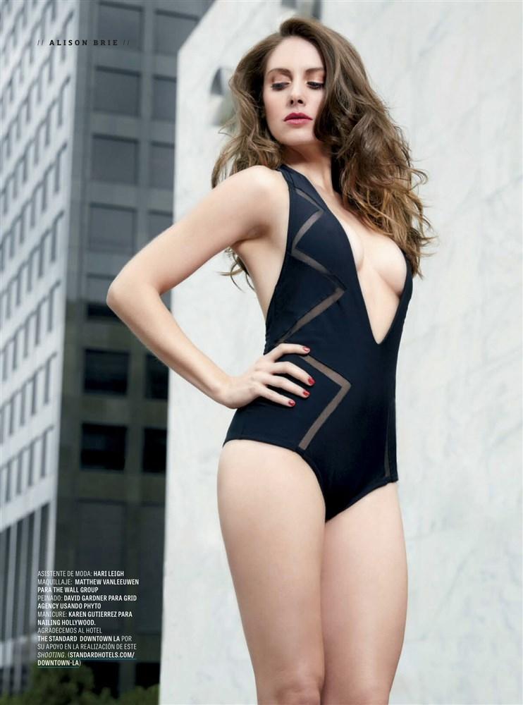 Alison Brie Nude. Photo - 17