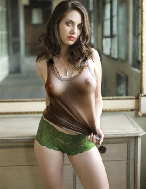 Alison Brie Nude. Photo - 2