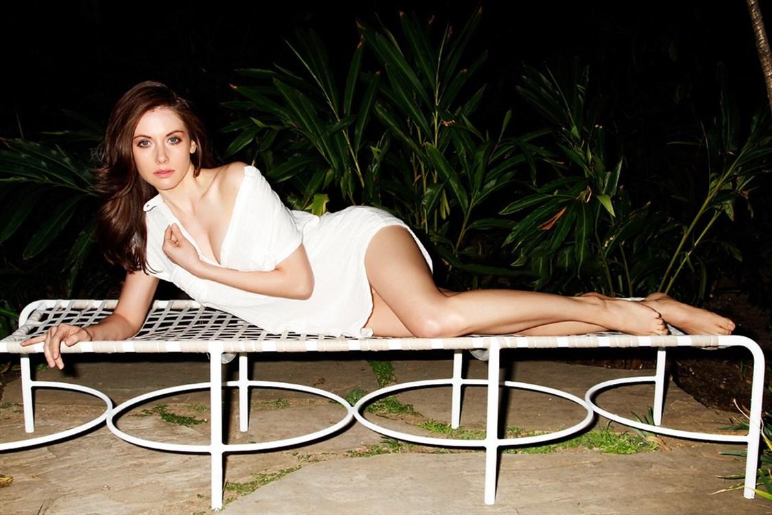 Alison Brie Nude. Photo - 21