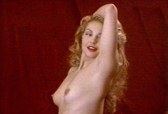 Ashley Judd  nackt