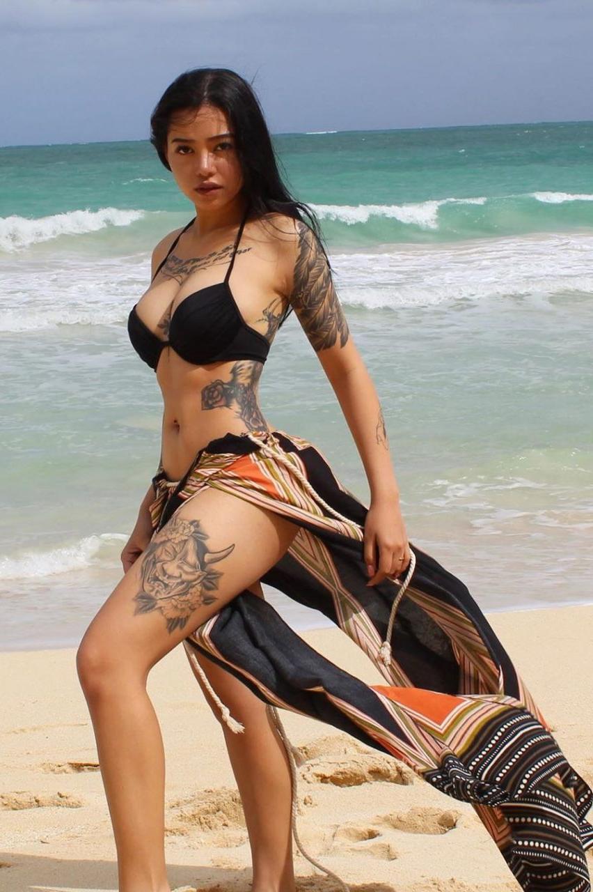 Bella Poarch Nude. Photo - 18