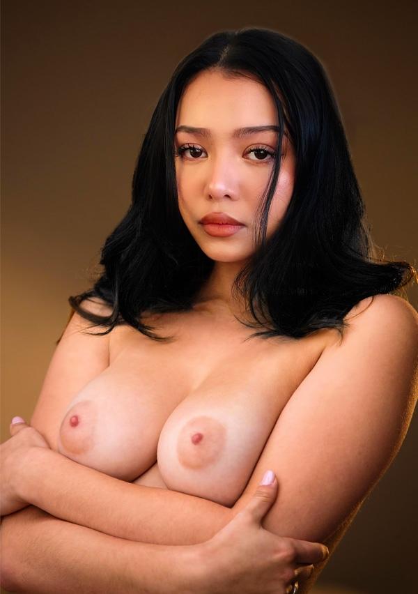 Bella Poarch Nude. Photo - 7